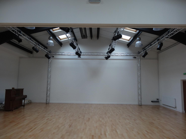 Dance Studio Installation Rigging Equipment Lighting Uk